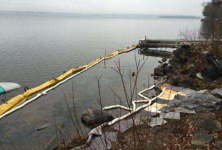 Oil seeps into Brome Lake in Bondville