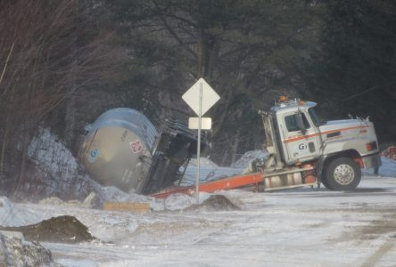 Tanker carrying  dangerous chemical  takes the ditch in  East-Bolton