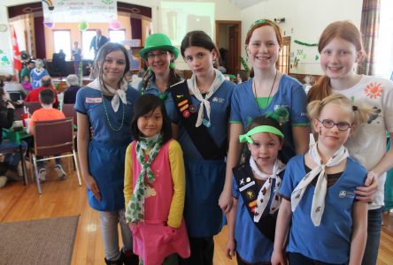 """Girl guides put the """"fun""""  in fundraising"""