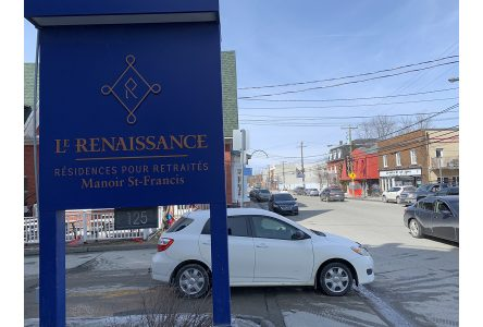 St-Francis Manor residents file ­petition regarding Queen Street parking