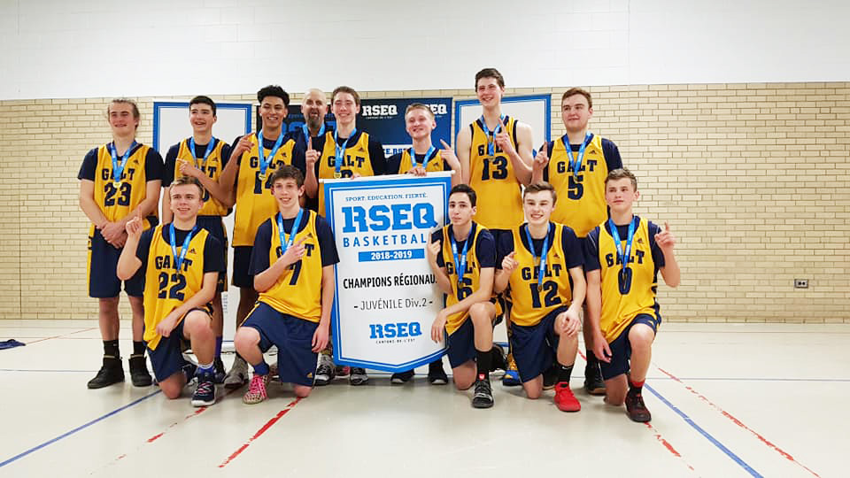 Alexander Galt's Senior boys' basketball off to Chicoutimi for provincials