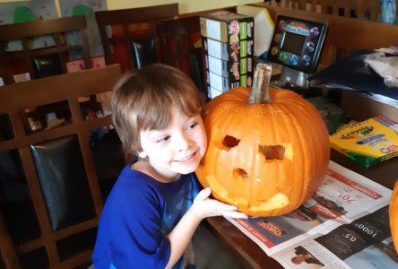 Record 2020 pumpkin carving contest