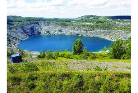 Asbestos votes for Val-des-Sources