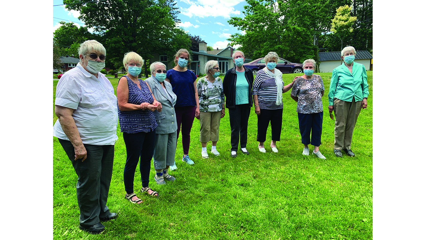 Lennoxville senior women's group takes in the sunny weather