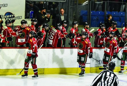 Wild return to Windsor tied for third place